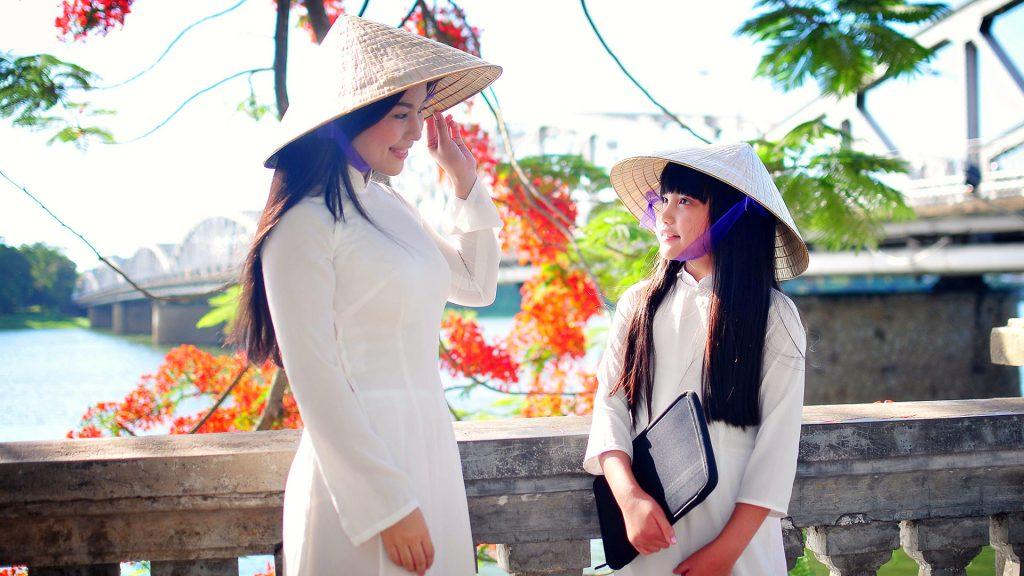 thời trang truyền thống nón lá 01