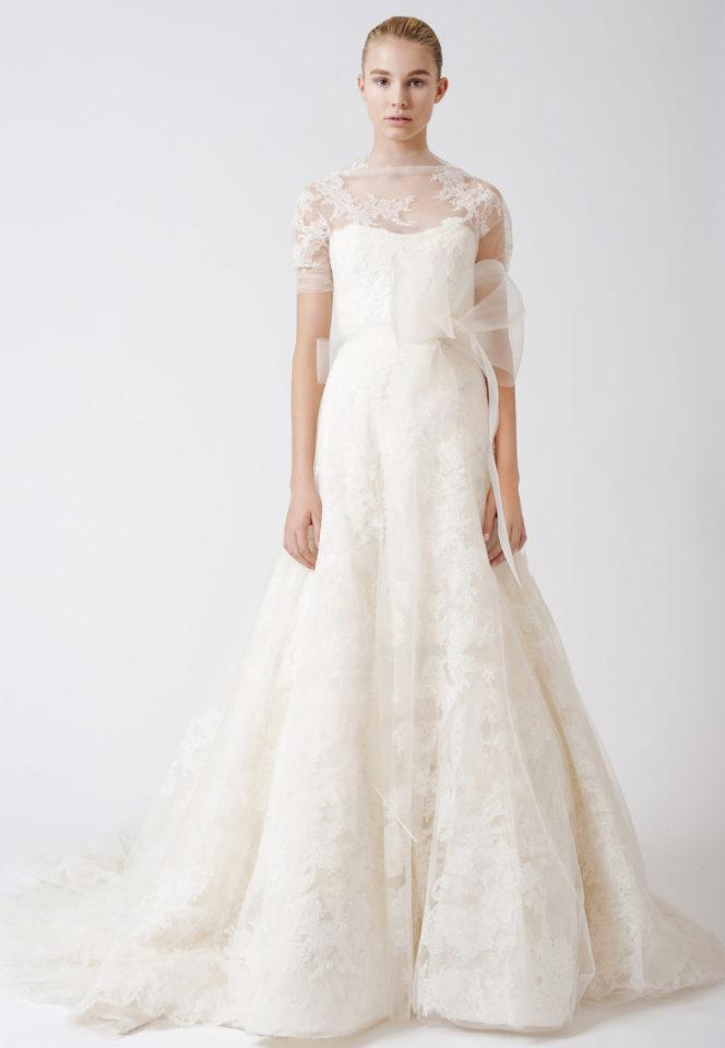 Chất liệu váy cưới Vera Wang ren Chantilly