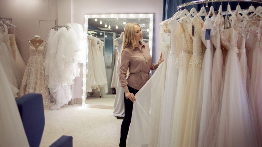 Những sai lầm cơ bản khi chọn trang phục cưới của cô dâu