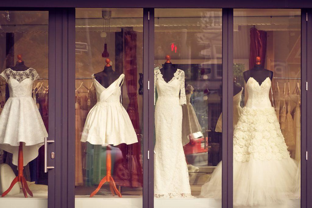 Những sai lầm cơ bản khi chọn trang phục cưới của cô dâu 2