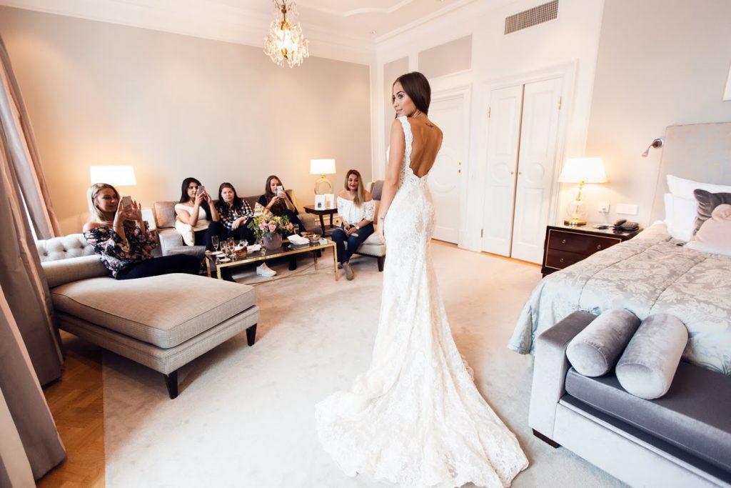 Những sai lầm cơ bản khi chọn trang phục cưới của cô dâu 4