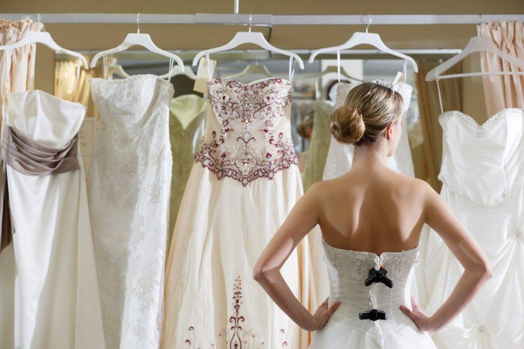 Những sai lầm cơ bản khi chọn trang phục cưới của cô dâu 5