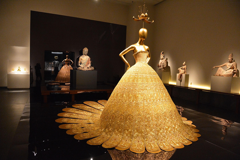 Wendy Yu đầu tư vào Viện trang phục Bảo tàng Nghệ thuật Metropolitan 6