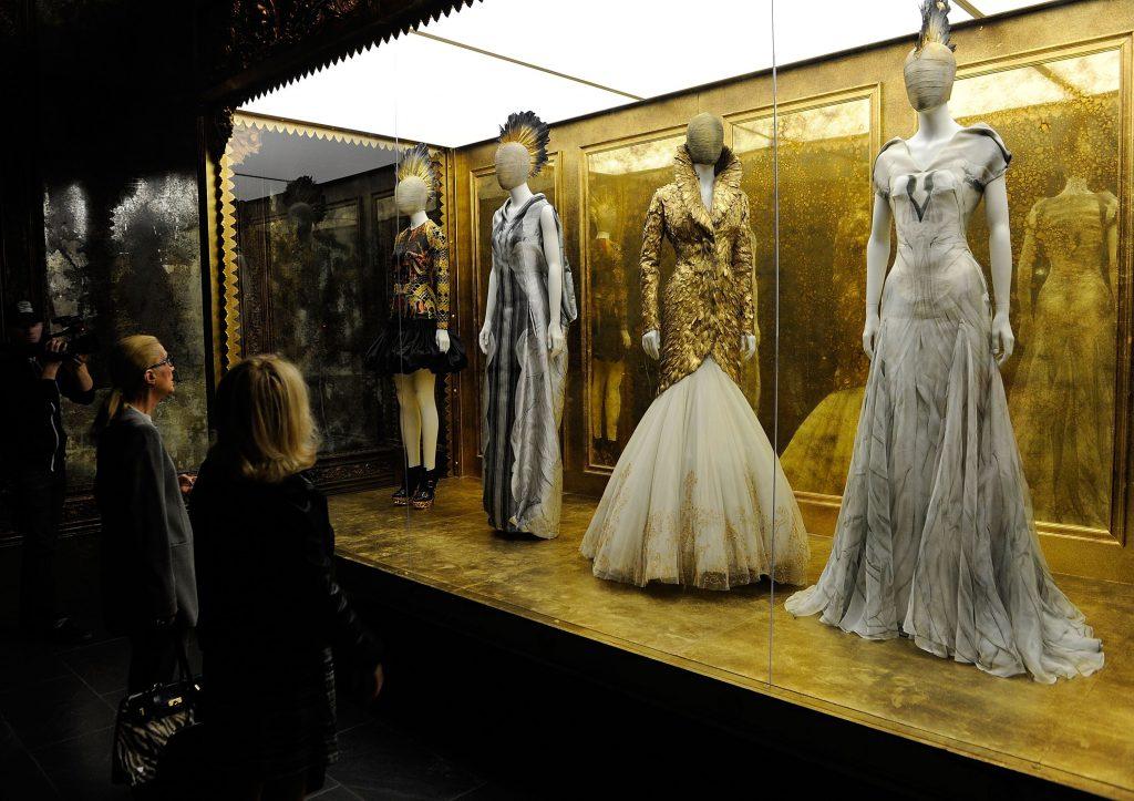 Wendy Yu đầu tư vào Viện trang phục Bảo tàng Nghệ thuật Metropolitan 8