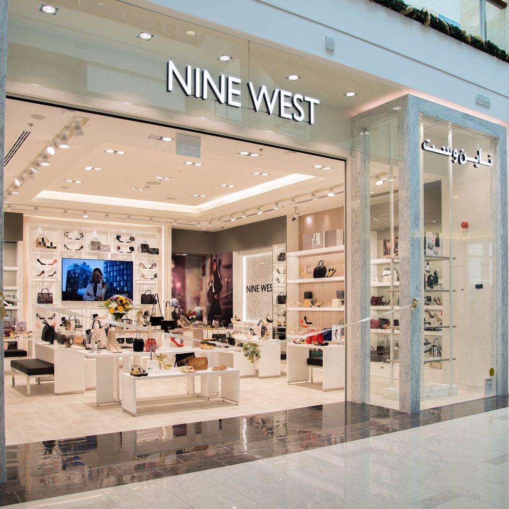 Nhãn hiệu Nine West tại Việt Nam đã chính thức được trao quyền thương mại cho công ty TNHH TM Hiệp Việt 4
