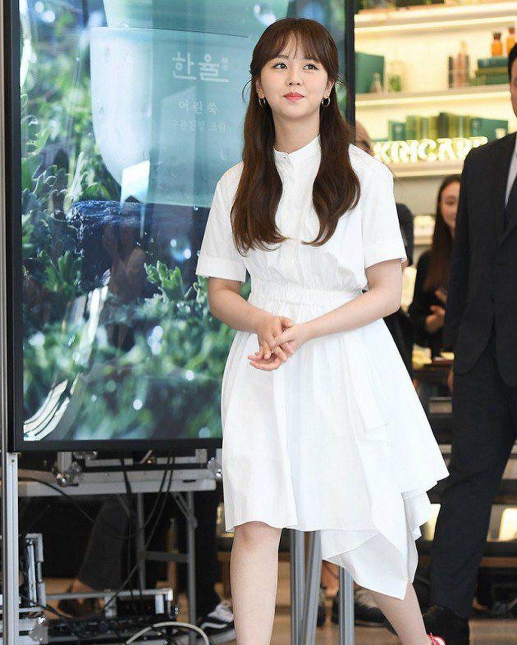 phong cách thời trang của Kim So Hyun 5