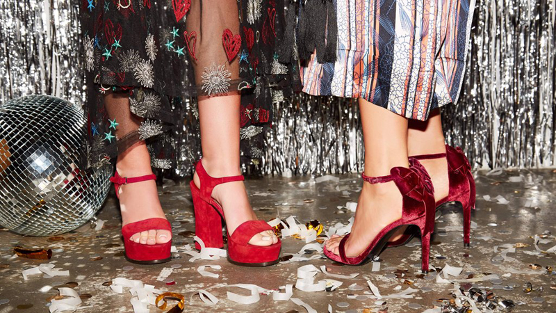 Cập nhật ngay những thiết kế giày cao gót bạn cần có cho mùa lễ hội 30