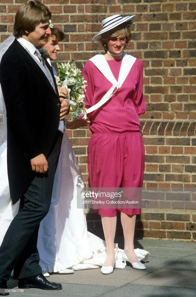 trang phục dự tiệc cưới của công nương diana 2