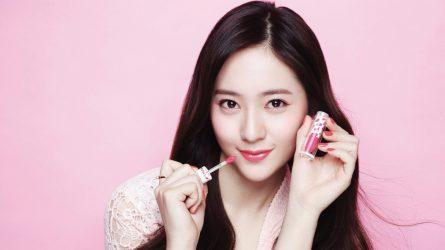 Học sao Hàn cách trang điểm tự nhiên với son môi màu hồng