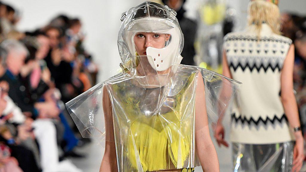 xu hướng thời trang nhựa xu hướng thời trang nhựa 22