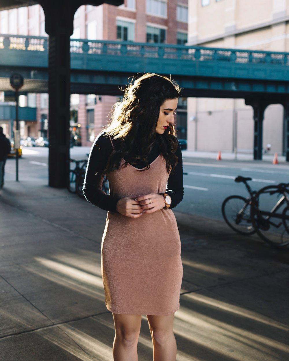 Áo cổ lọ và váy slip dress 12