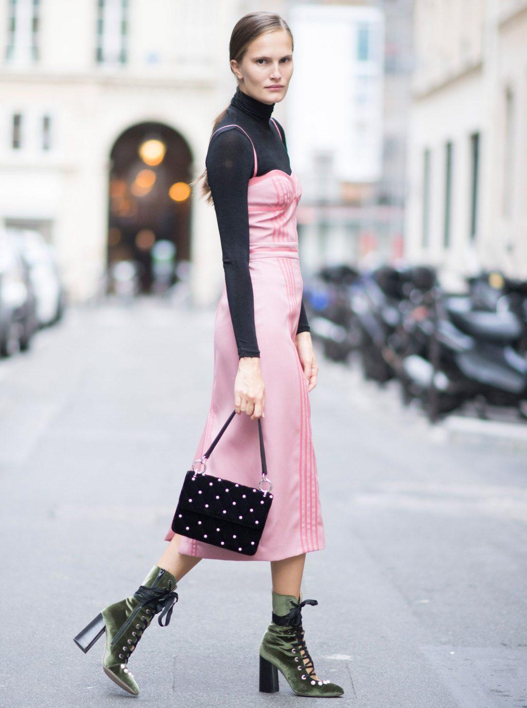 Áo cổ lọ và váy slip dress 15