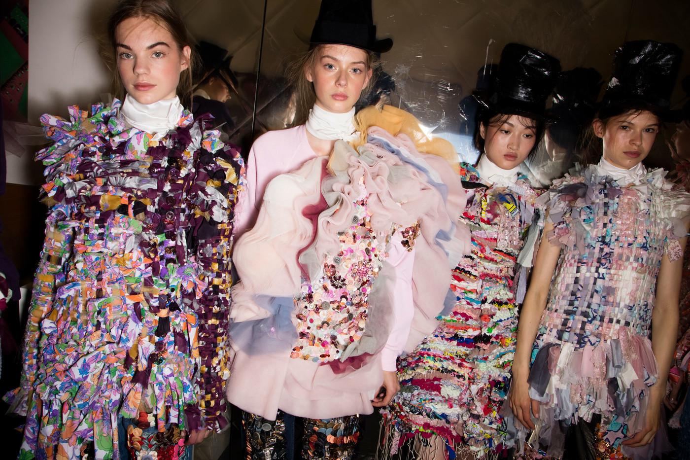 Thời trang bền vững qua lăng kính của các NTK trẻ quốc tế 5