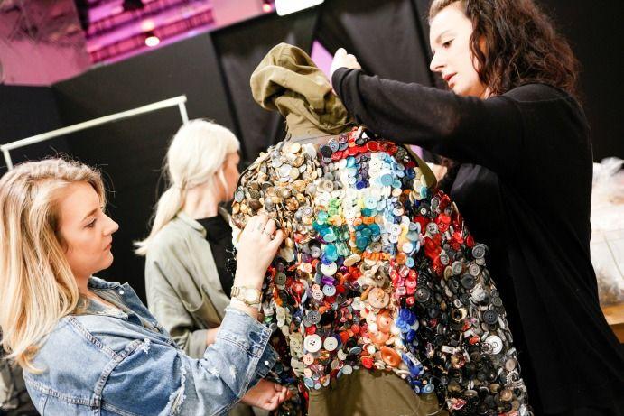 Thời trang bền vững qua lăng kính của các NTK trẻ quốc tế 6