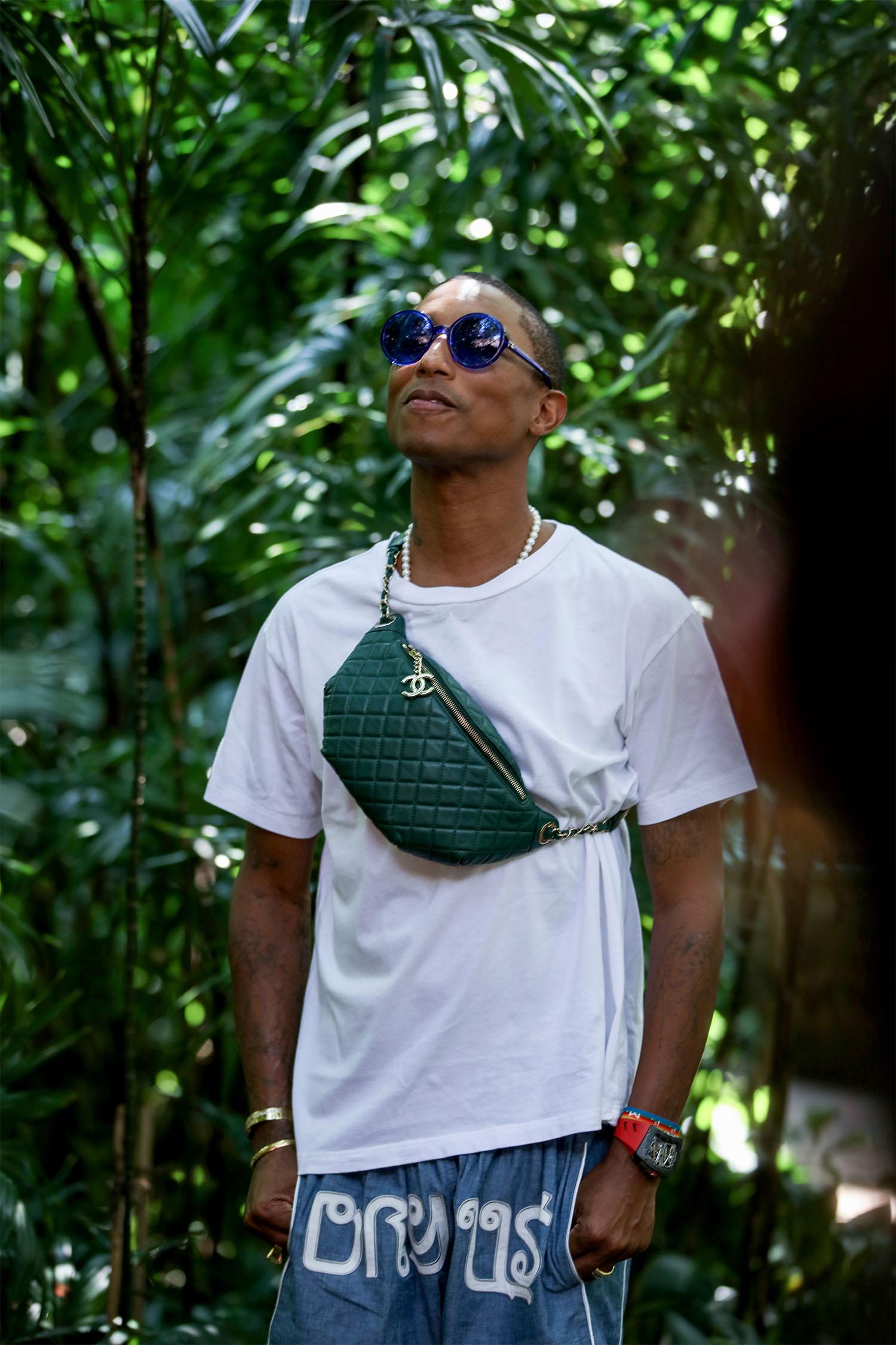 BST Chanel Cruise 2019 ở Bangkok Pharrell Williams