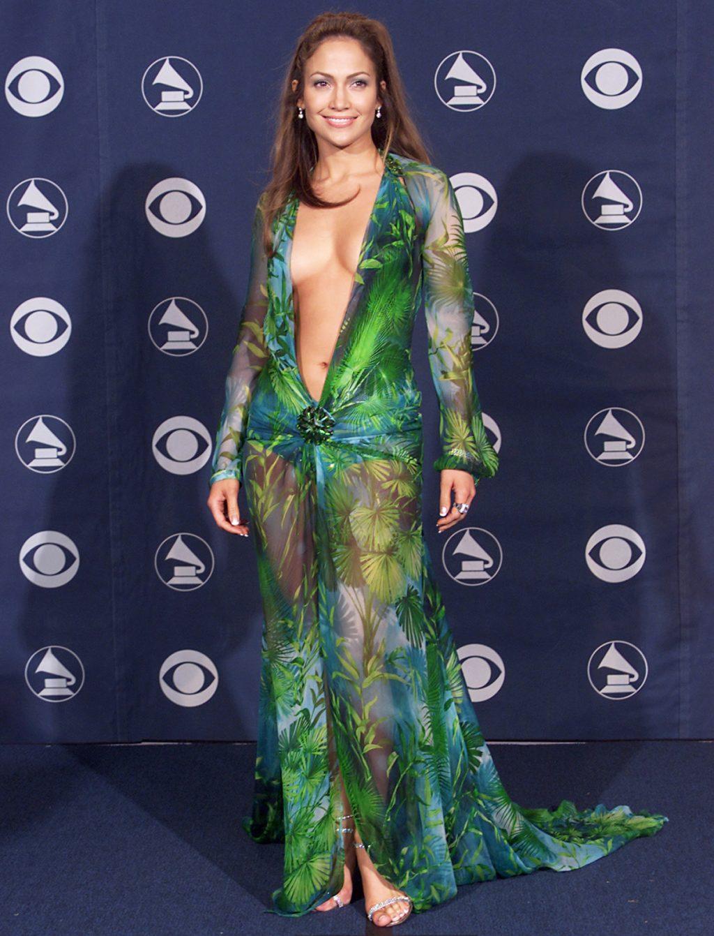 ca sĩ Jennifer Lopez trên trang bìa tạp chí Instyle 6