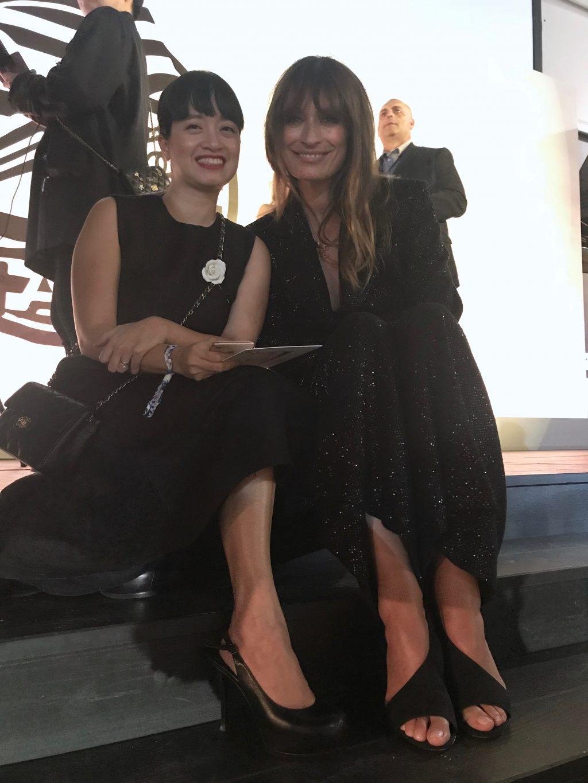 Người mẫu Caroline de maigret và chị Liên Chi