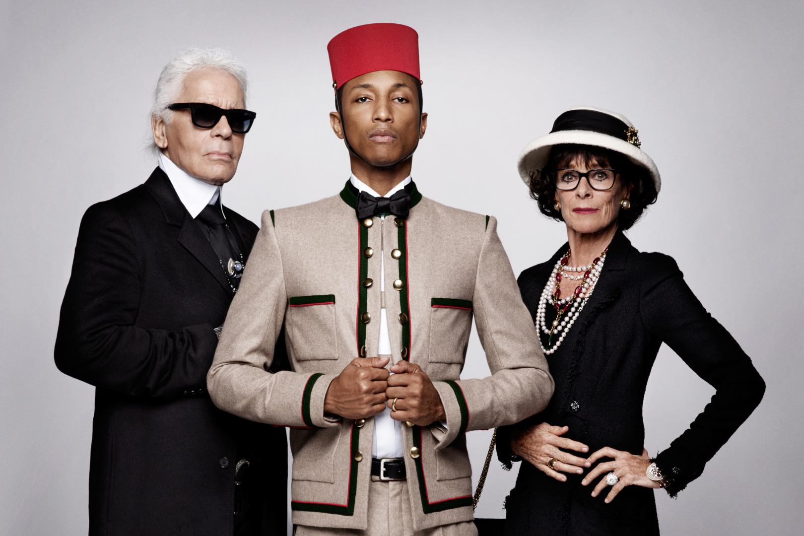 """Thương hiệu Chanel tiếp tục """"bắt tay"""" Pharrell Williams"""