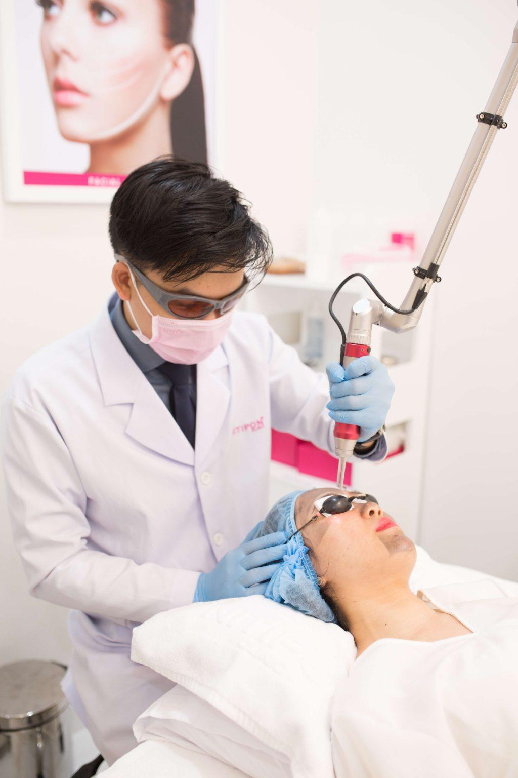 Nitipon Clinic - Viện điều trị da hàng đầu châu Á 7