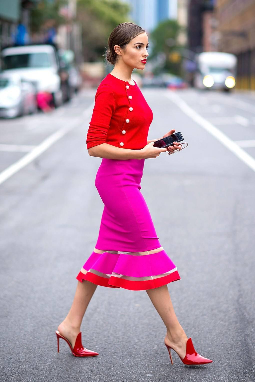 phối màu trang phục với gam đỏ 19