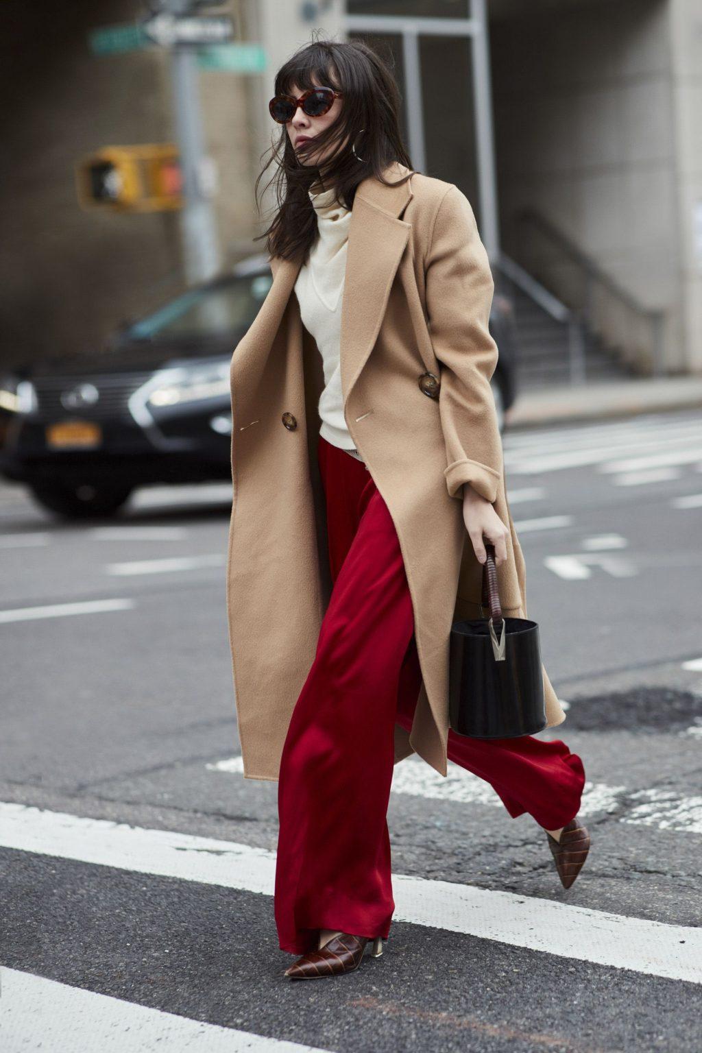 phối màu trang phục với gam đỏ 20