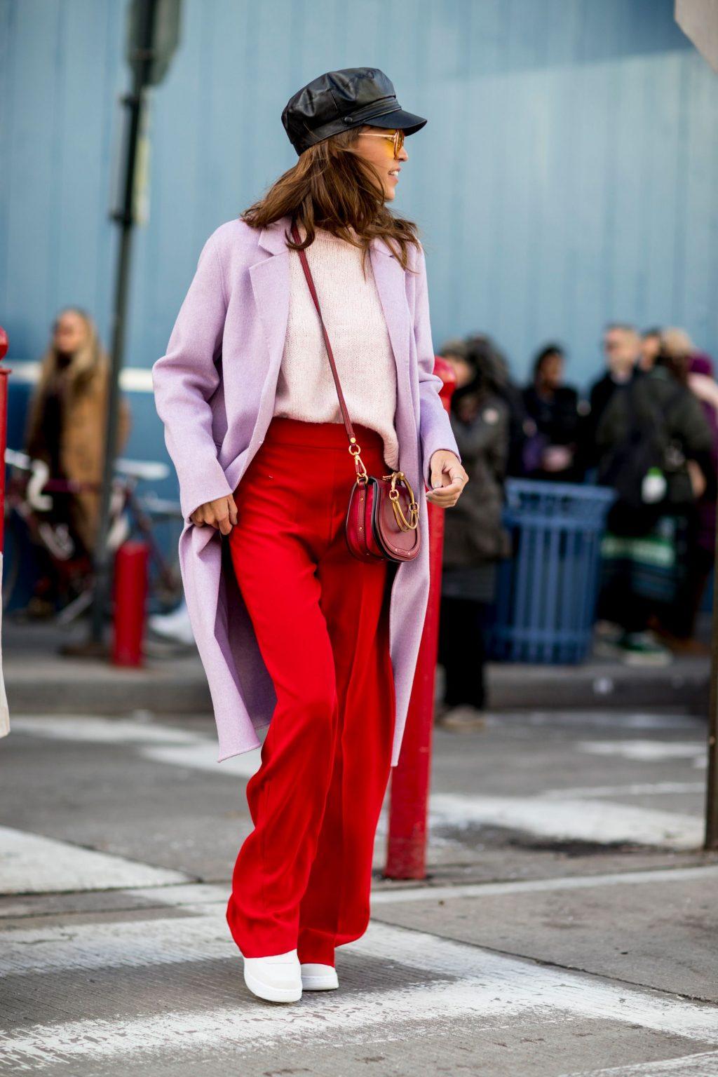 phối màu trang phục với gam đỏ 9