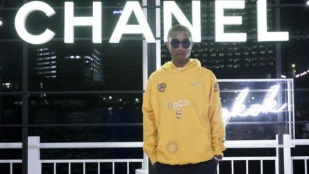 """Chanel tiếp tục """"bắt tay"""" Pharrell Williams ra mắt bộ sưu tập thời trang và phụ kiện"""