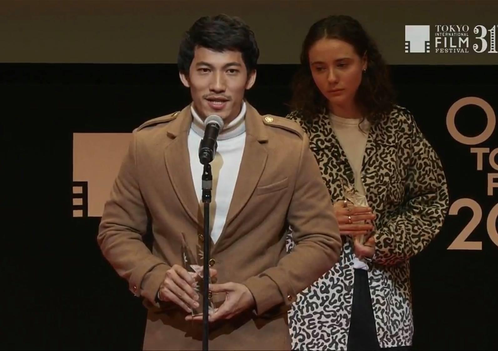 Liên Bỉnh Phát nhận giải thưởng Tokyo Gemstone 5