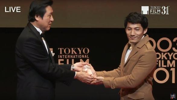 Liên Bỉnh Phát nhận giải thưởng Tokyo Gemstone