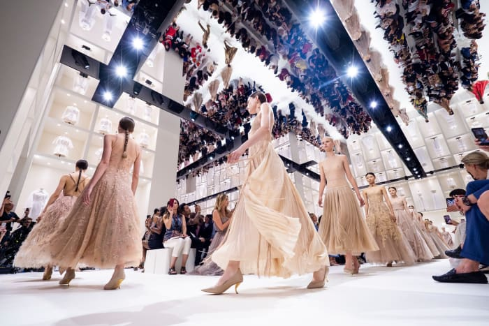 BST haute couture Dior