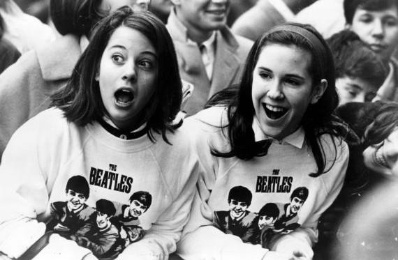 áo thun trắng The Beatles