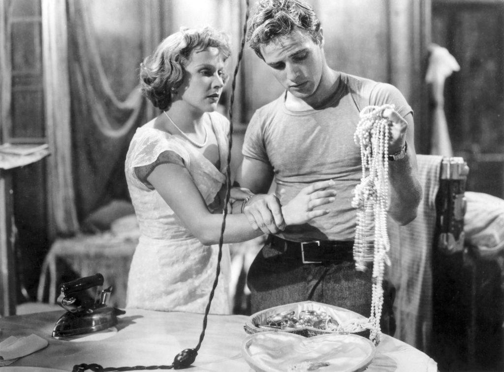 áo thun trắng Marlon Brando