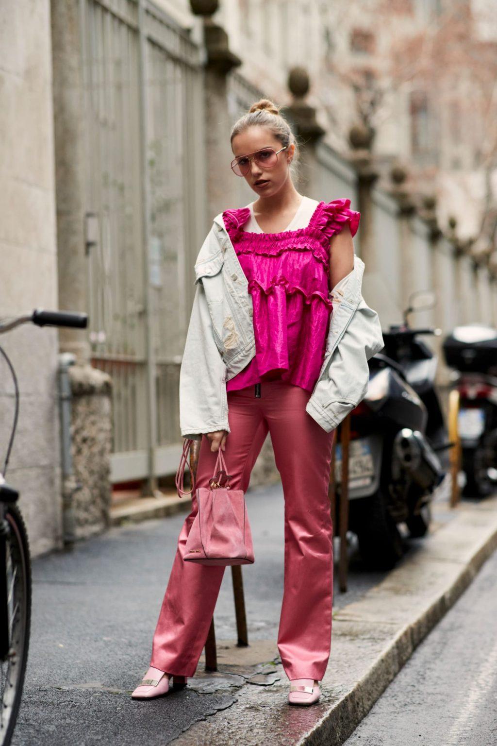 trang phục màu hồng millennial 17