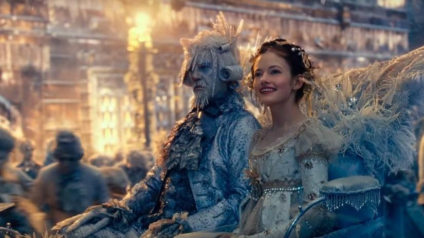 NTK Jenny Beavan thời trang trong phim Kẹp hạt dẻ và bốn vương quốc 6