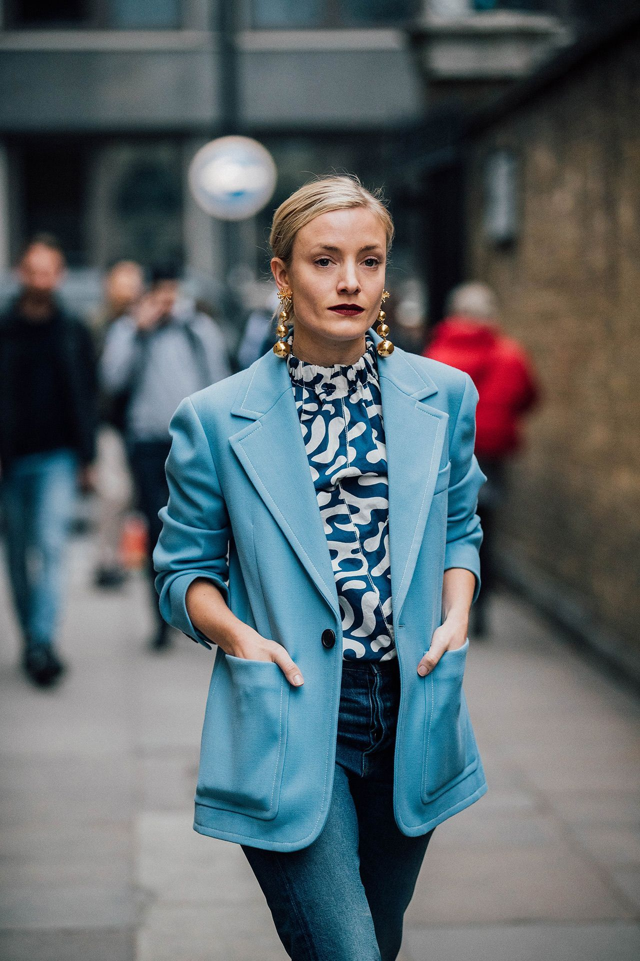 phong cách thời trang menswear áo blazer boyfriend màu xanh