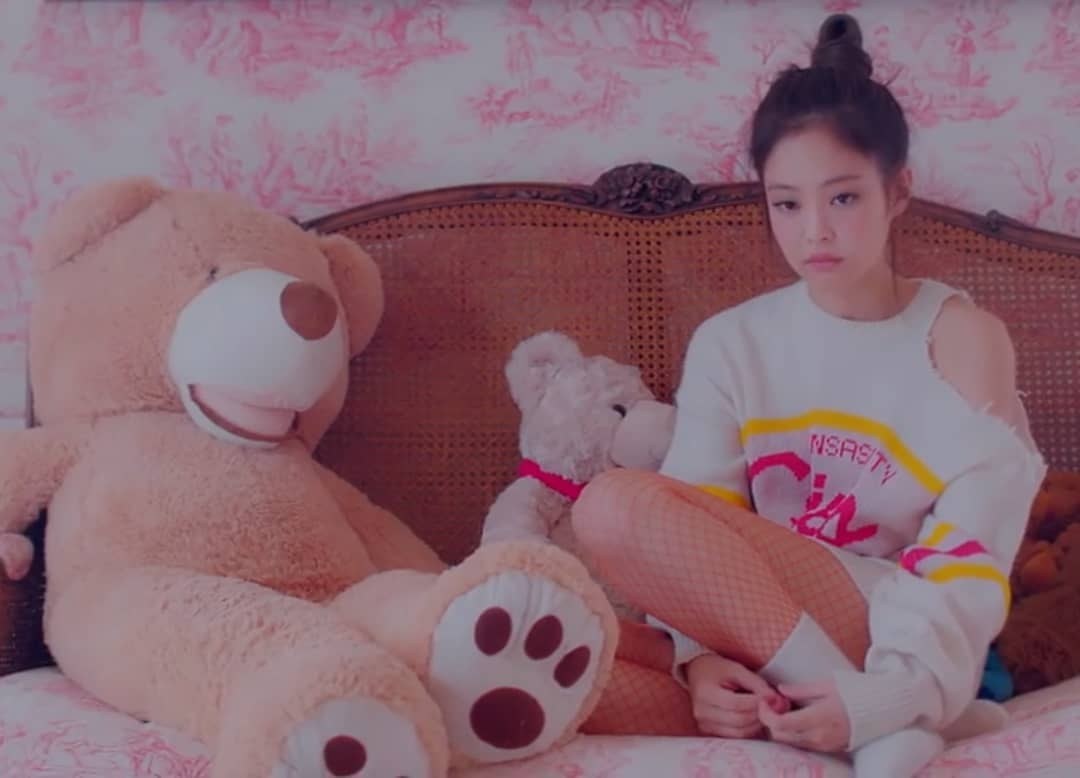 Jennie Fashion Style 2