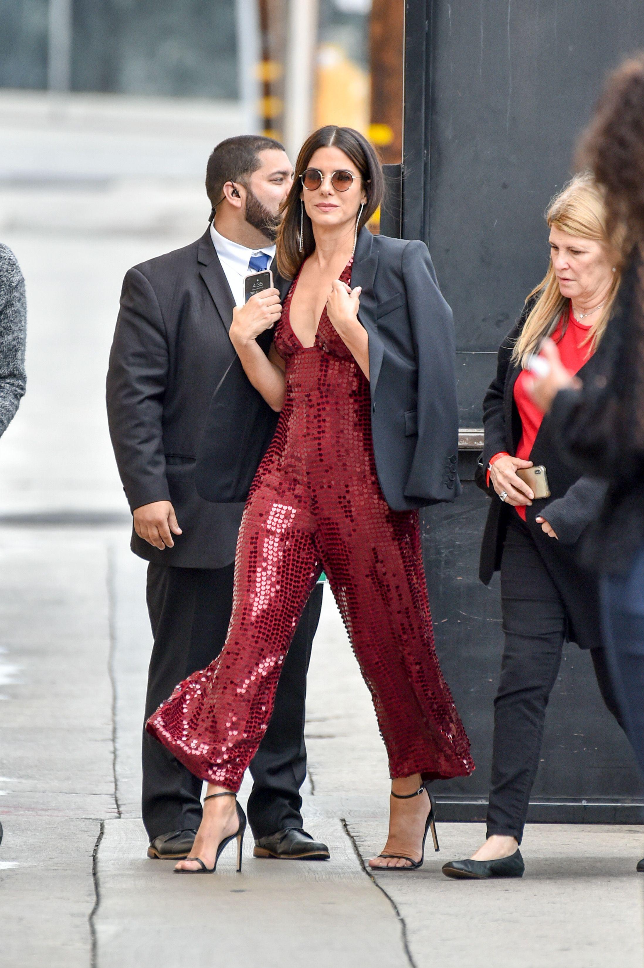 bí quyết phối đồ thời trang giấu tuổi Sandra Bullock