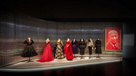 Những thiết kế Haute Couture lộng lẫy đang được trưng bày tại triển lãm Dior ở Denver