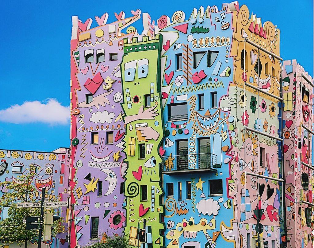 khu phố rực rỡ Happy Rizzi Haus 1