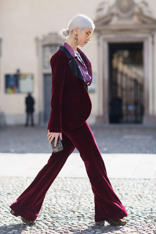 trang phục dự tiệc đỏ burgundy cho mùa lễ hội 13