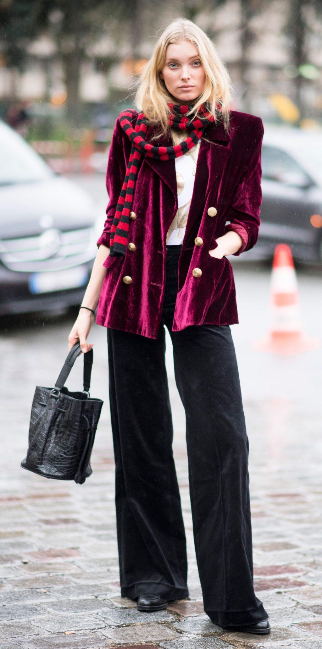 trang phục dự tiệc đỏ burgundy cho mùa lễ hội 31