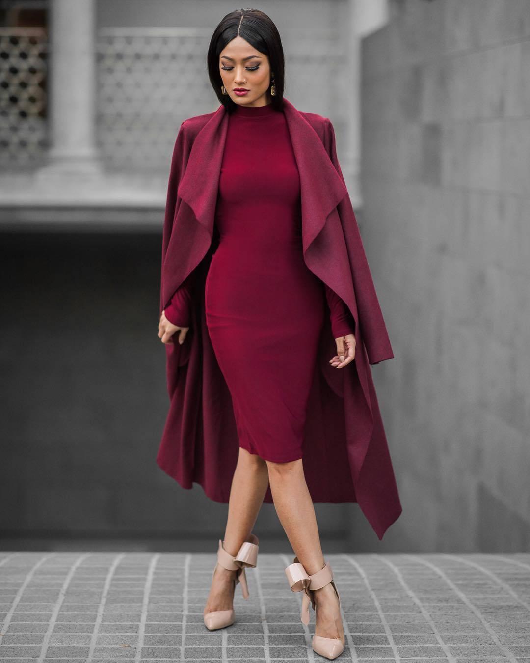 trang phục dự tiệc đỏ burgundy cho mùa lễ hội