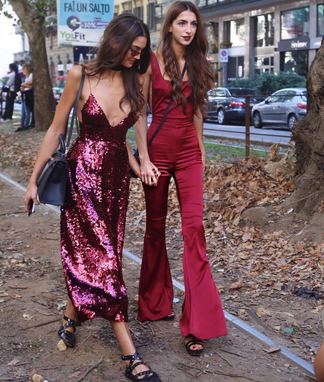 trang phục dự tiệc đỏ burgundy cho mùa lễ hội 38