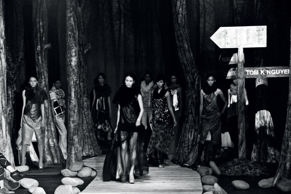 sân khấu ELLE Fashion Show thay đổi qua các năm 10