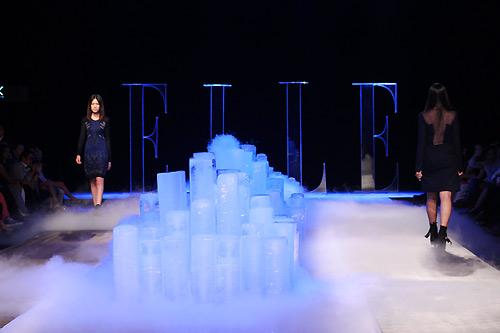 sân khấu ELLE Fashion Show thay đổi qua các năm 13
