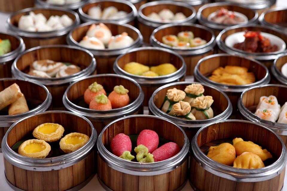 Tưng bừng đón mùa lễ hội cuối năm tại các nhà hàng ở Hà Nội 11