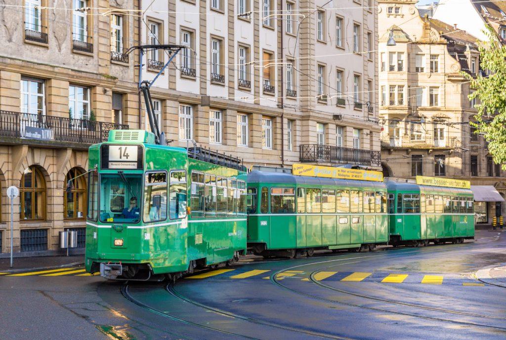 Xe điện Châu Âu 8