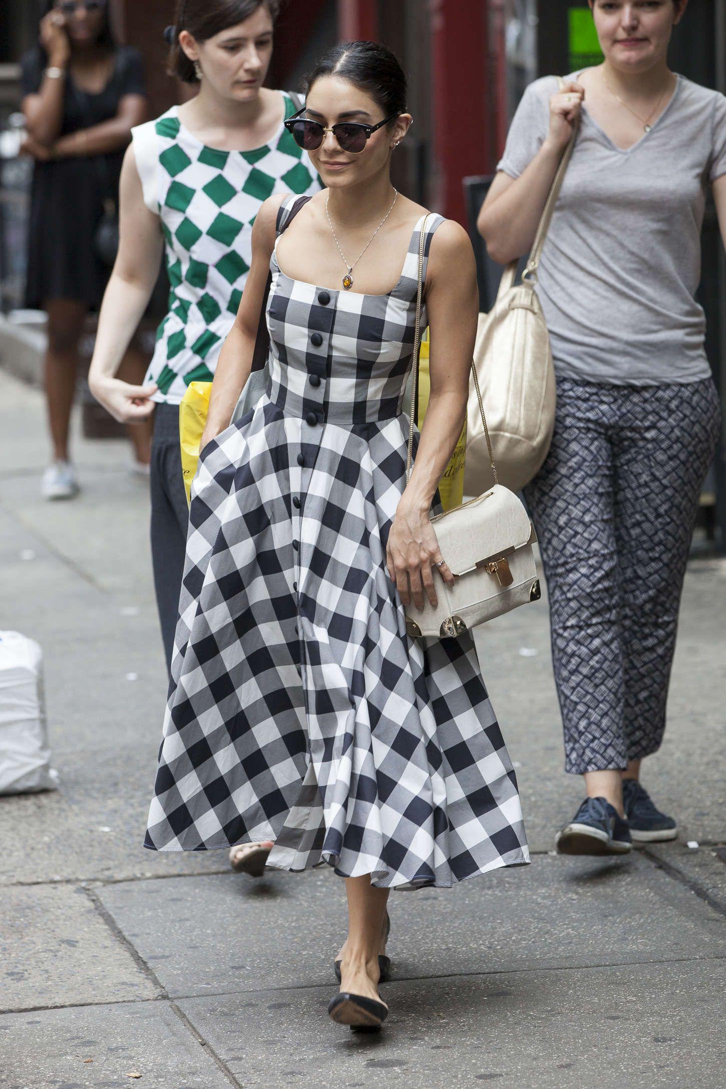 Elle việt nam mặc đẹp với đôi vai ngang 3
