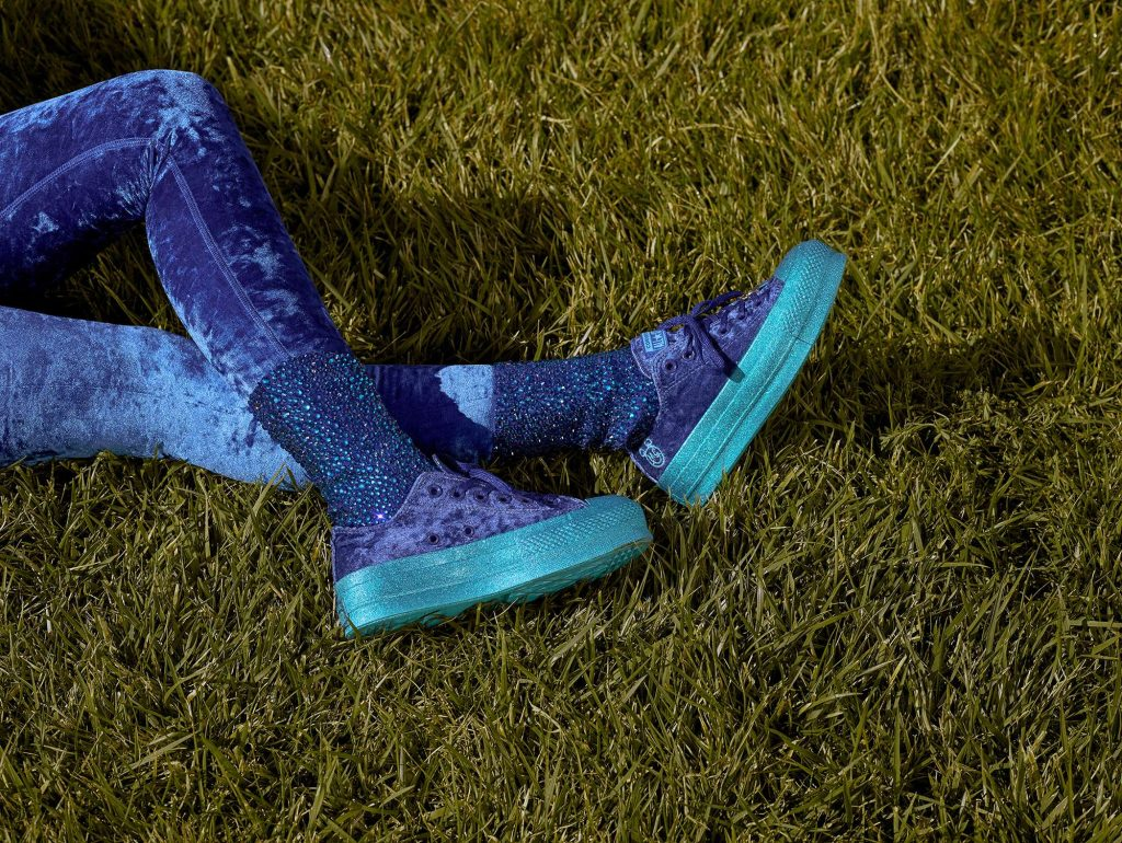 Converse bắt tay ca sĩ Miley Cyrus cho ra mắt BST Incubate trong mùa HO18 7