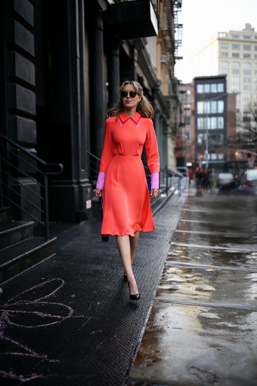xu hướng màu cam san hô street style